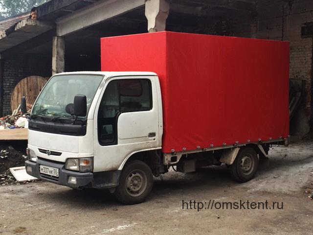 Тент-ПВХ красного цвета на грузовик Nissan